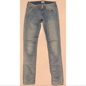 "Hudson size 26 ""Collin"" light wash skinny jeans"